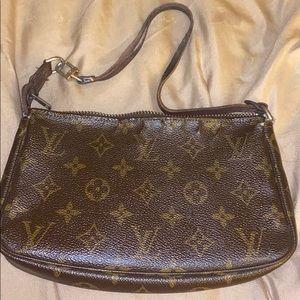 Vintage Authentic Louis Vuitton pouchette Bag